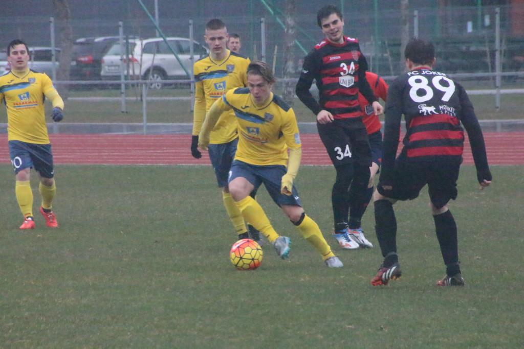 Rasmus Saar FC Kuressaare kooseisus. Alver Kivi