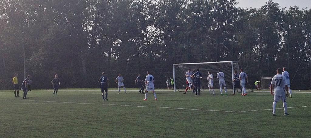 Saarlased rünnakul. FC Kuressaare