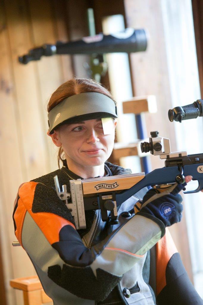 Kaia Kindlam tulejoonel. Irina Mägi