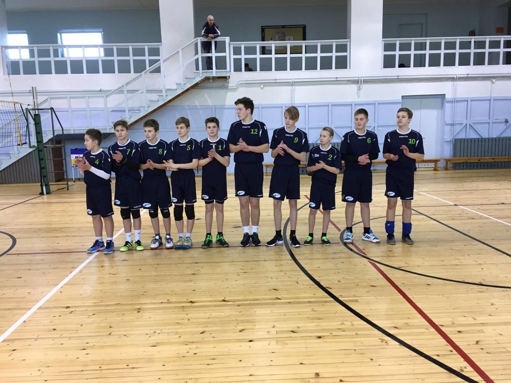 Poisid on mänguks valmis. Saaremaa Võrkpalli Liit