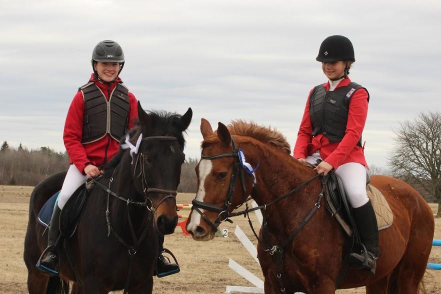 Kõrgeima sõidu võitjad Karmen Udeküll ja Gracija ning Eeva Helga Kupits ja Western. Elise Maria Trei