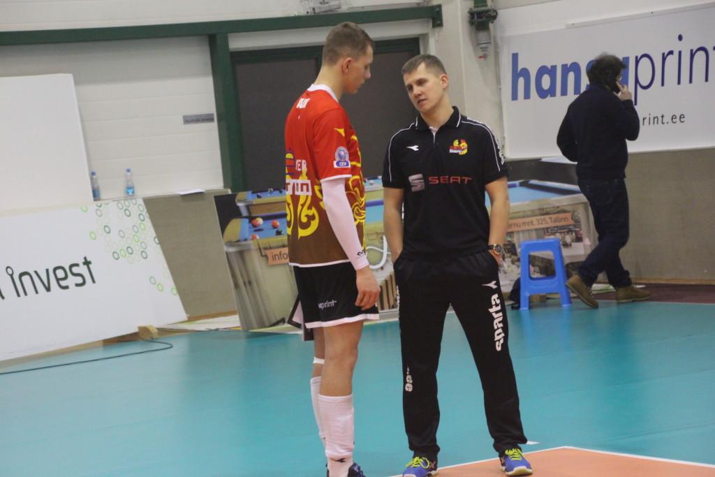 Karli Allik küsib oma edasiste sammude osas nõu ka treener Rainer Vassiljevilt. Alver Kivi