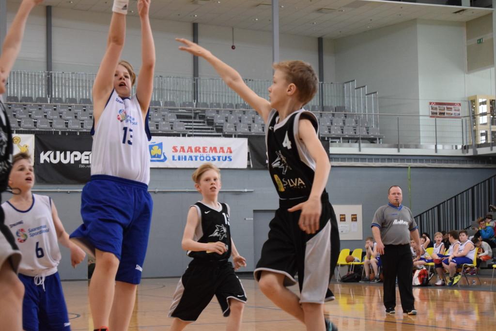Saaremaa spordikooli ja Orissaare poise mäng. MTÜ Saaremaa Korvpall