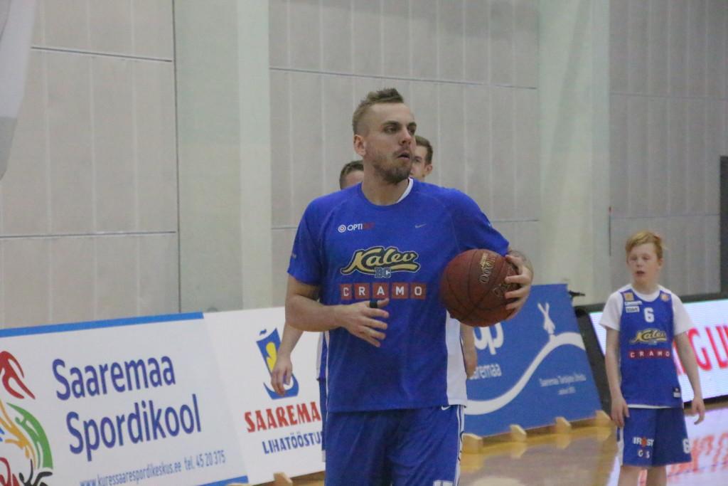 Timo Eichfuss Kuressaare spordihoones. Alver Kivi