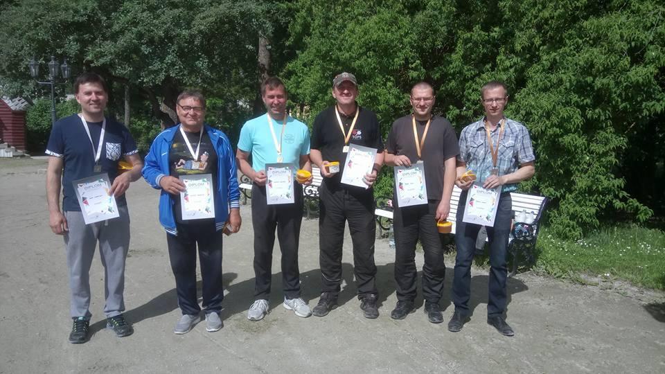 Vasakult Alar Andrejev, Gennadi Andrejev, Gabriel Alesmaa, Gunnar Usin, Kaur Sirel, Meelis Vaher. Võhma Kultuuri- ja Spordiselts