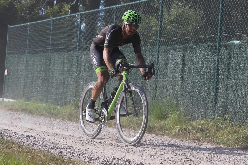 Mihkel Räim Belgias. Cycling Academy