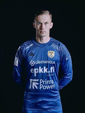 Mihkel Aksalu klubivormis. SJK