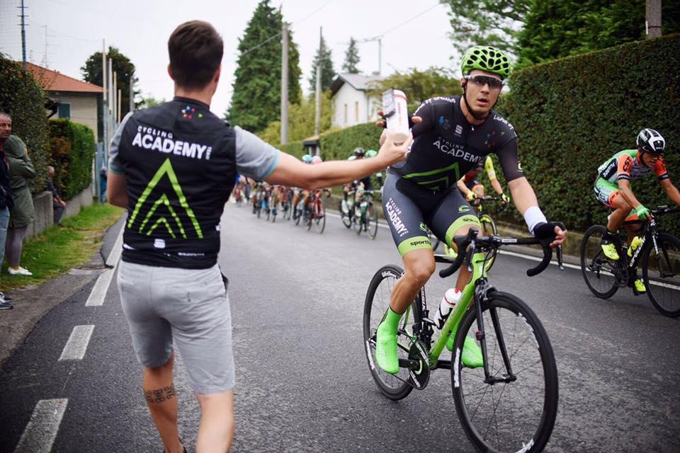 Mihkel Räim saab tiimilt juua. Cycling Academy
