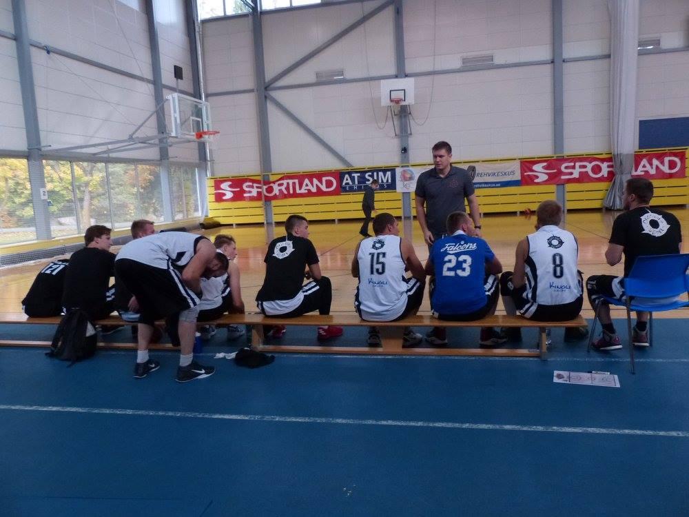 Meeskond on aja maha võtnud. Orissaare Sport