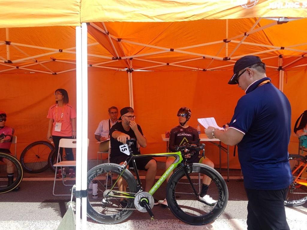 Sõiduks valmistumas. Cycling Academy