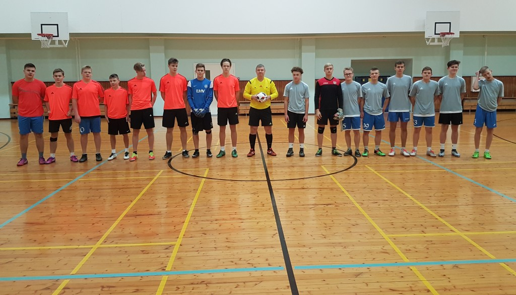 Algab kohtumine FC Dons ja FC Niidu. saaremaajk.ee