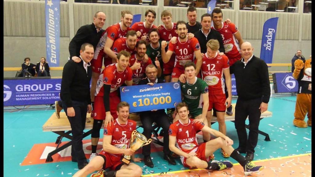 Timo Tammemaa koos võiduka meeskonnaga. volley.ee