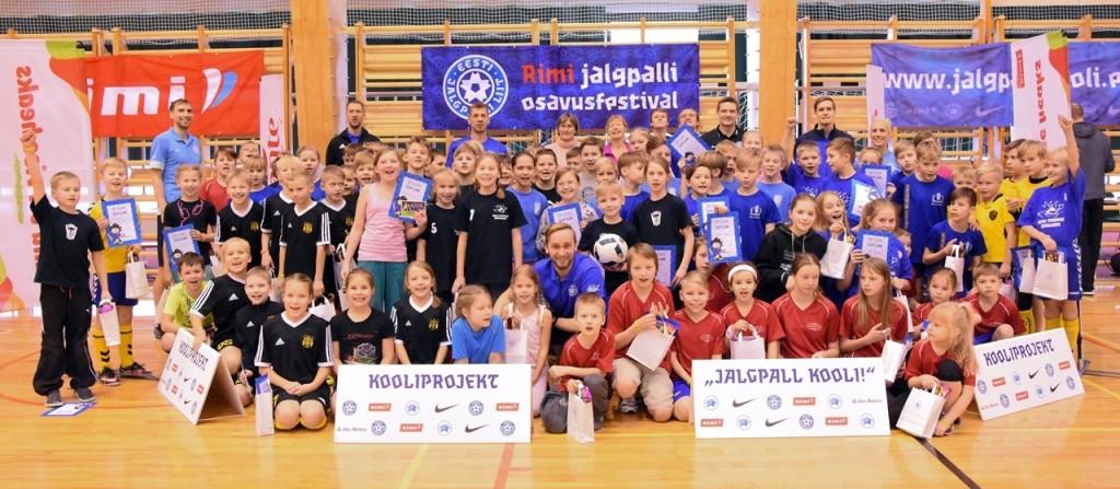 Rõõmsad osalejad. Eesti Jalgpalli Liit