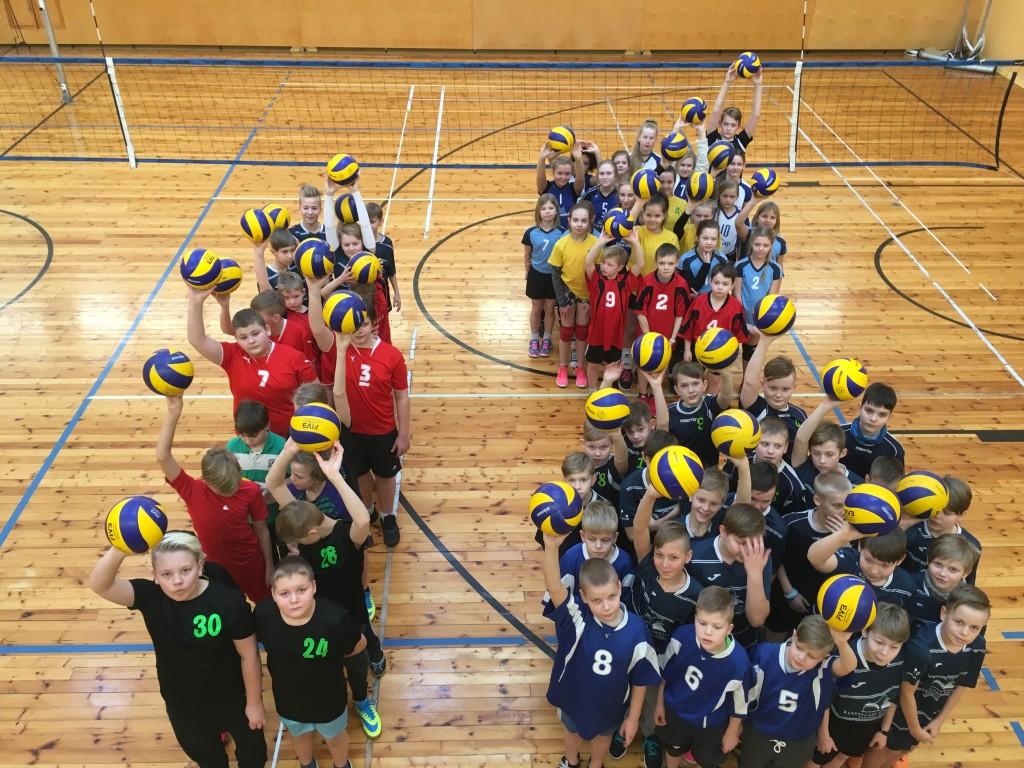 Noored võrkpallurid. Saaremaa Võrkpalli Liit