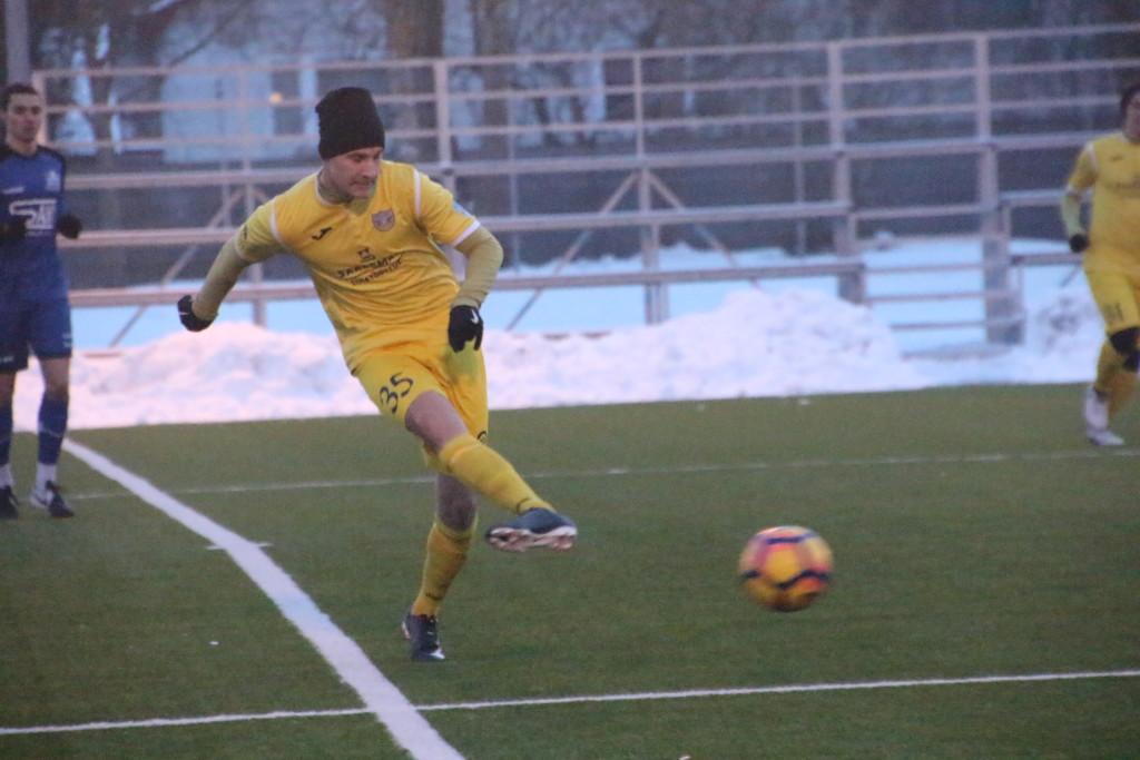 Mairo Miil FC Kuressaare viimasel kontrollmängul. Alver Kivi