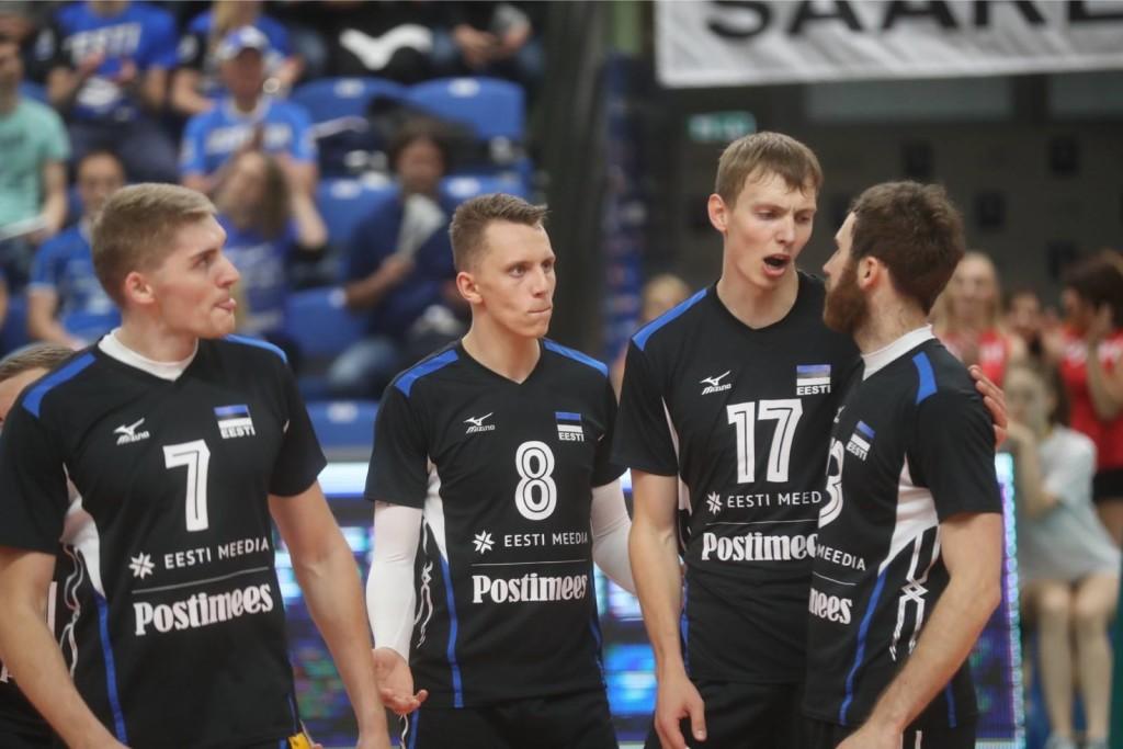 Karli Saar ja Timo Tammemaa koondise särgis. volley.ee