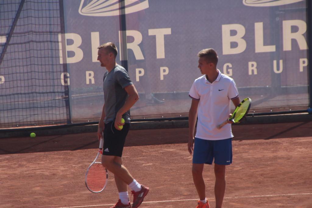 Priit Suluste ja Ivar Himmist aiirdusid seekord poolfinaaliga. Alver Kivi