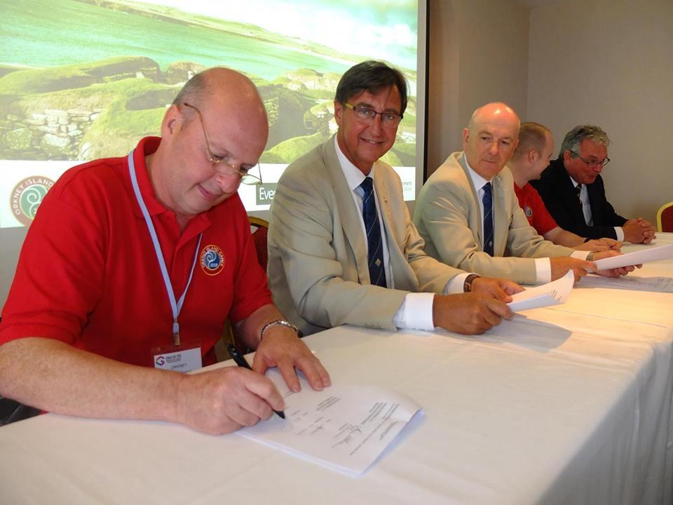 Lepingu allkirjastamine. IIGA