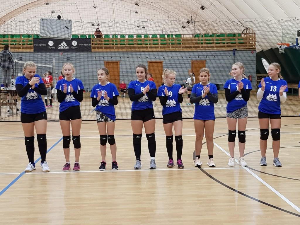 Võistkond on mänguks valmis. Saaremaa Võrkpalli Liit
