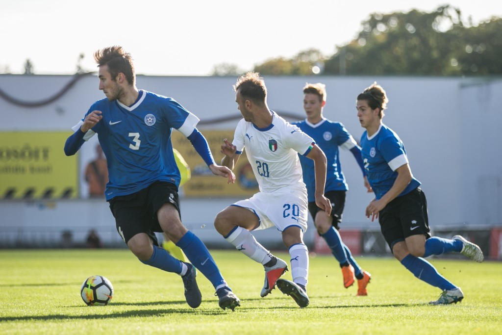 Rasmus Saar (paremal) sai mängida terve kohtumise. Eesti Jalgpalli Liit
