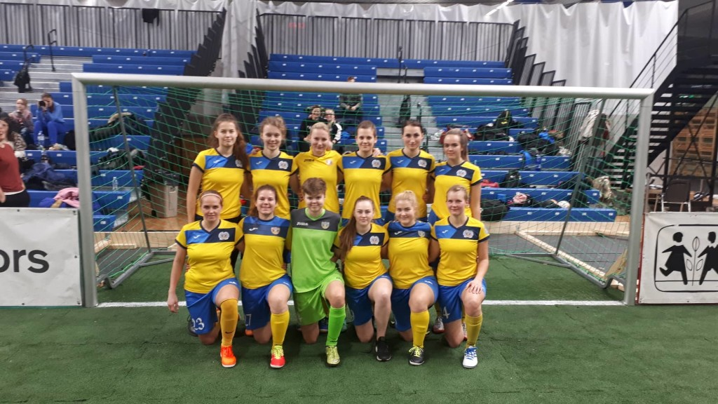 FC Kuressaare naiskond. Roland Kütt
