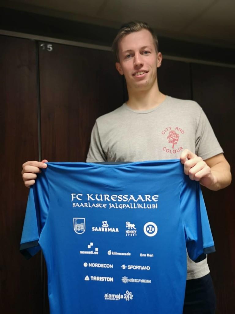 Märten Pajunurm meeskonna särgiga. FC Kuressaare
