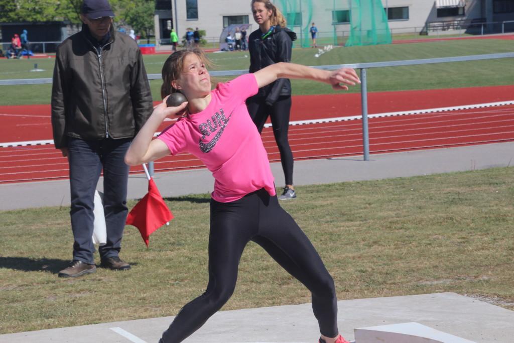 Marilis Remmel tegu kuulitõukes isikliku rekordi. Alver Kivi