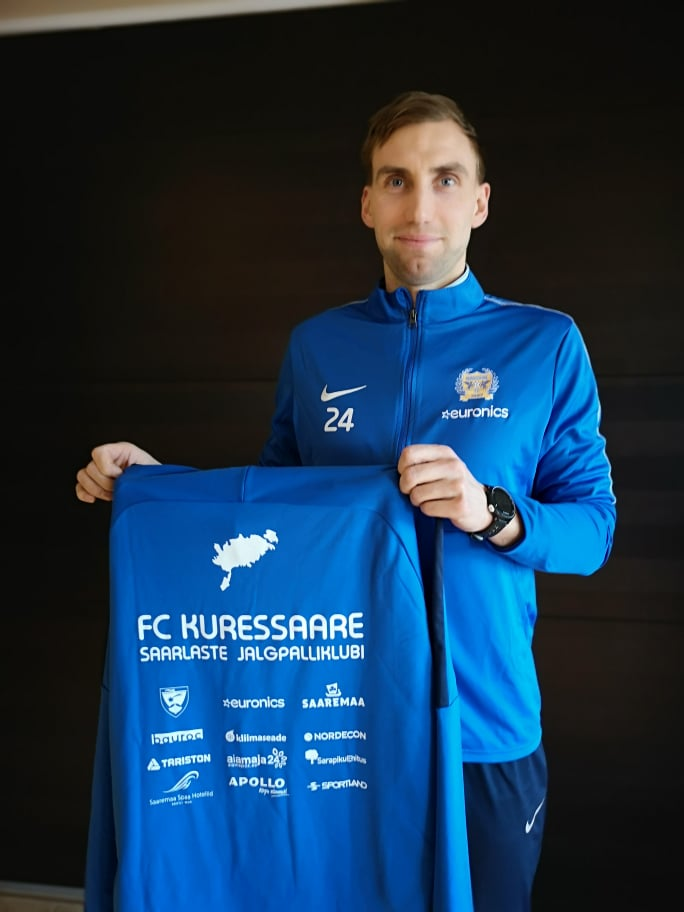 Rauno Tutk FC Kuressaare vormis. FC Kuressaare