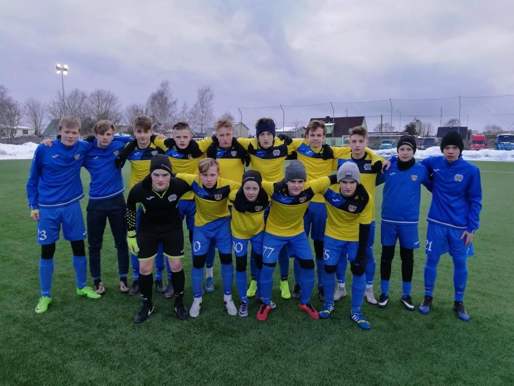 Võistkond enne esimest mängu. FC Kuressaare