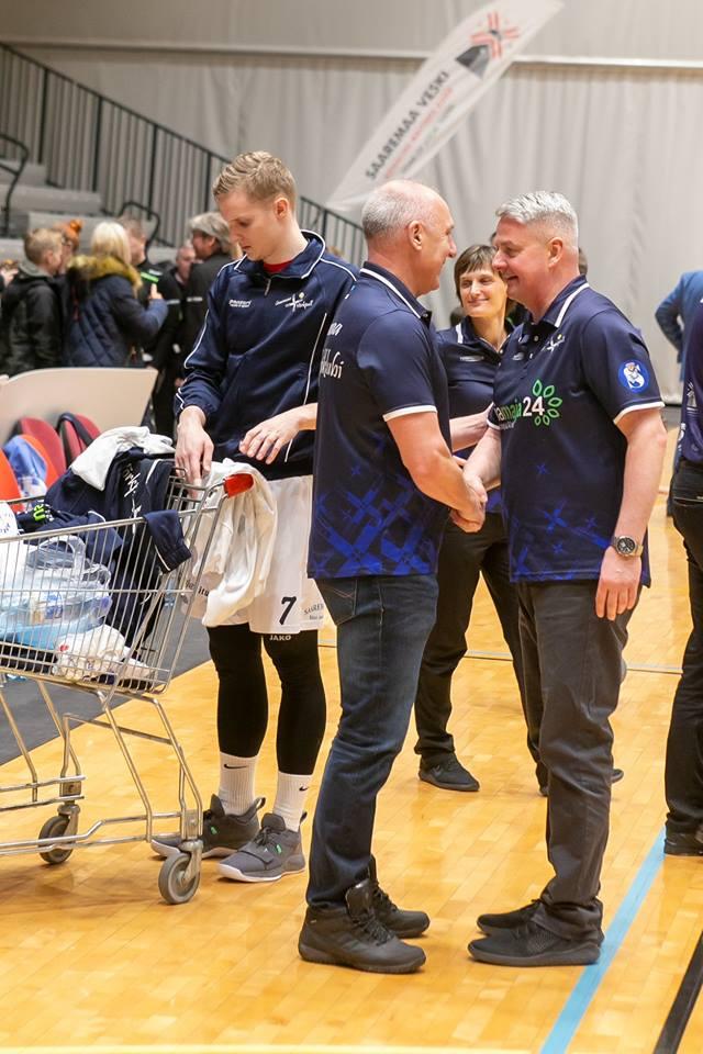 Toivo Alt ja Urmas Tali pärast võidukat mängu. Irina Mägi