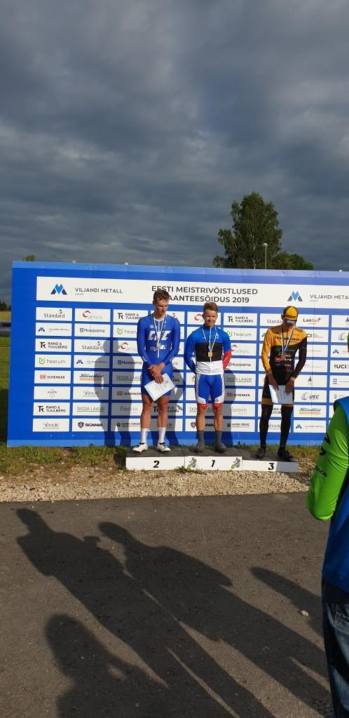 Karl Patrick Lauk podium kõrgeimal astmel. SJK Viiking