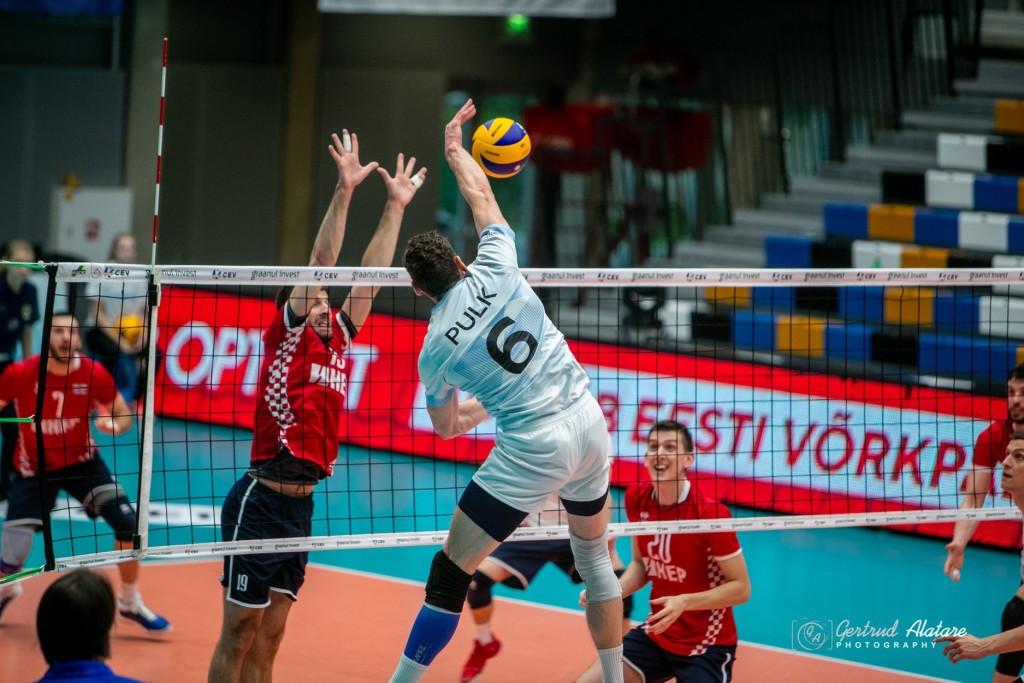 Hindrek Pulk rünnakul. Gertrud Alatare/volley.ee