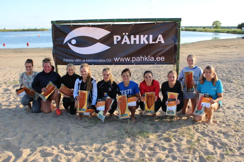 Tublimad naised. Saaremaa Võrkpalli Liit