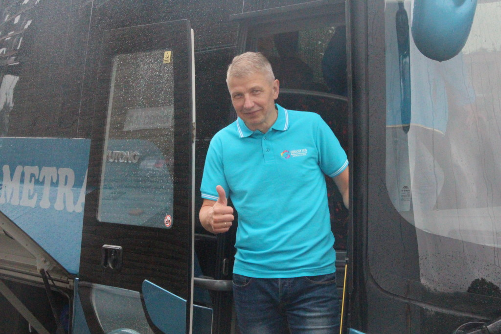 Delegatsiooni juht Mati Mäetalu on sportlastega sõiduks valmis. Alver Kivi