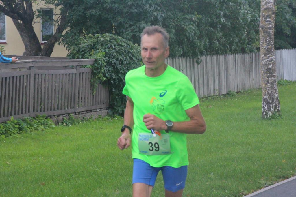 Arnold Nõmm oli jooksudistantsidel üks edukamaid. Alver Kivi