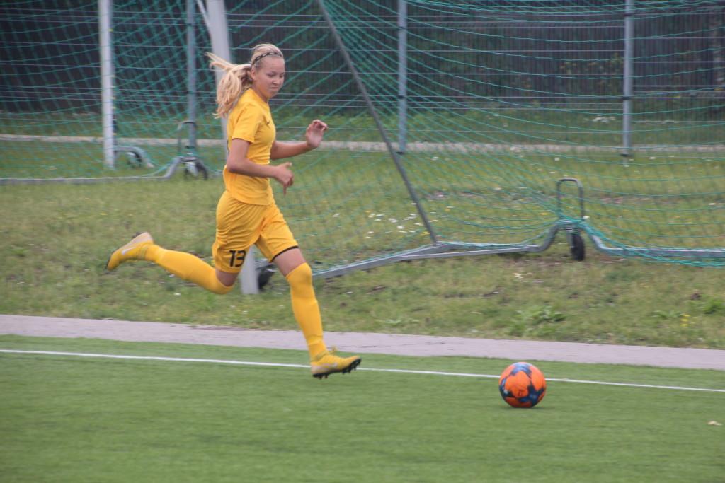 Kristina Teern rünnakul. Alver Kivi