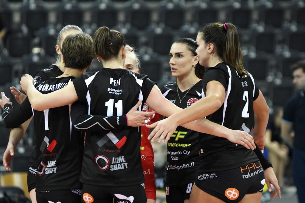 Naiskond on teeninud punkti. volley.ee