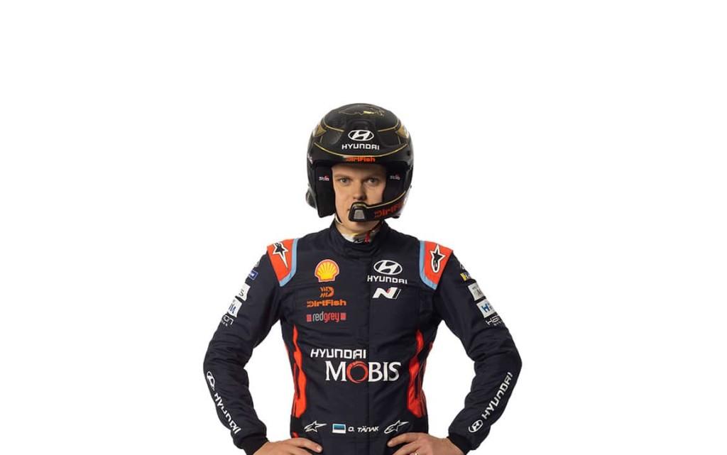 Ott Tänak DirtFish kiivriga. Huyndai Motorsport