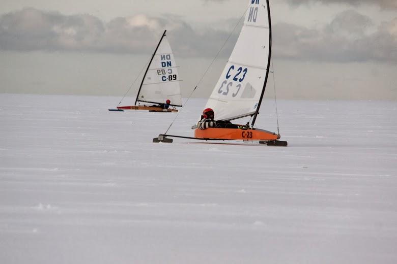 Kevin Grass jääpurjekaga võistlemas. Ott Kallas