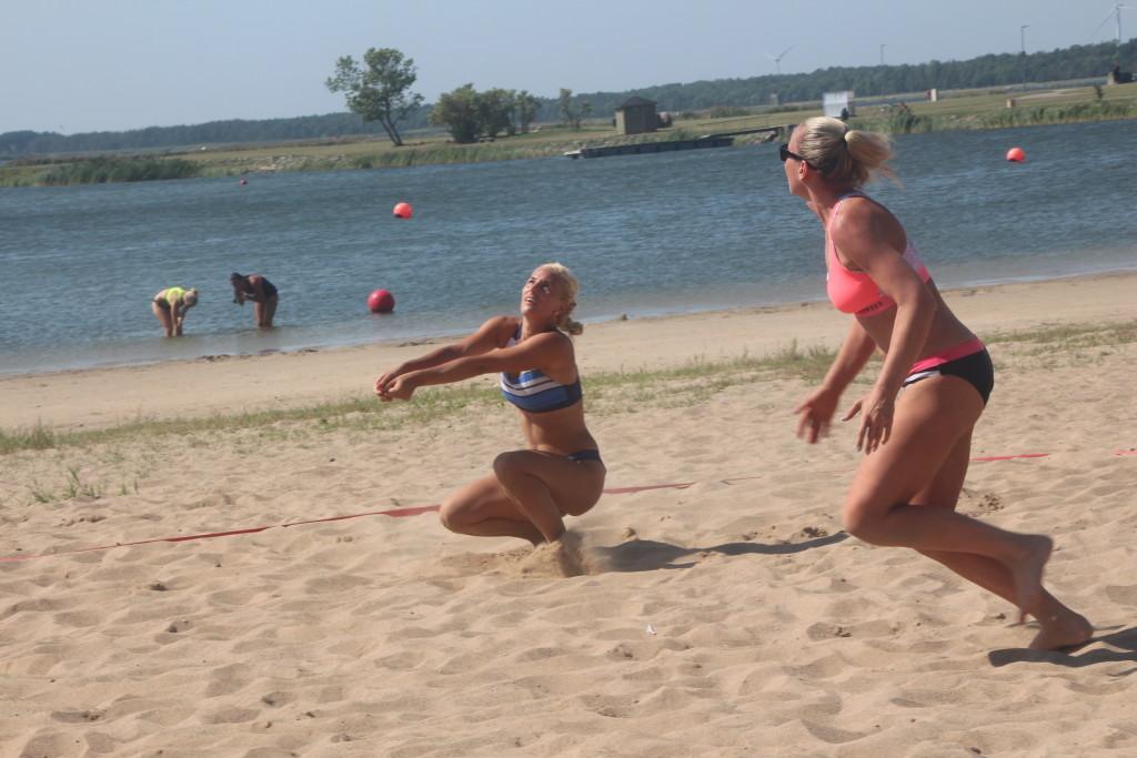 Naised Saaremaa meistrivõistlustel. Alver Kivi