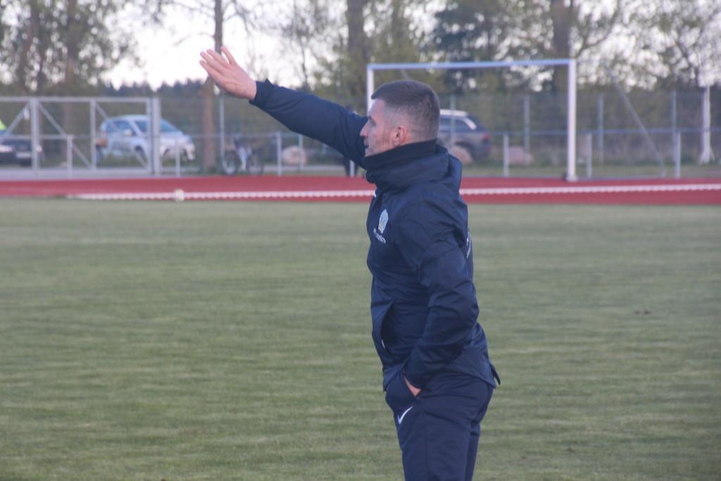Toetust sai ka FC Kuressaare peatreener Roman Kožuhhovski. Alver Kivi