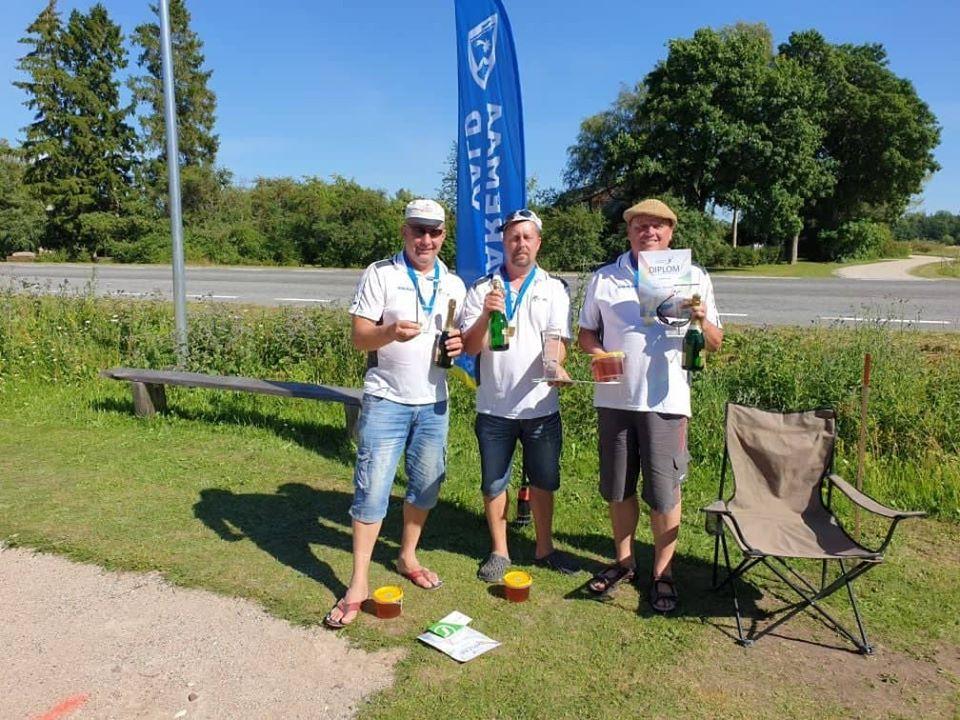Saaremaad meistrid - võistkond Vallu, vasakult Valeri Filipenko, Hanno Voole, Urmas Berkmann. Eesti Mölkky Klubide Liit/Estonian Mölkky Association