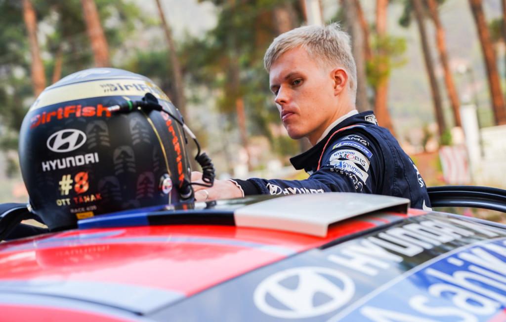 Ott Tänak võistluseks valmistumas. Hyundai Motorsport