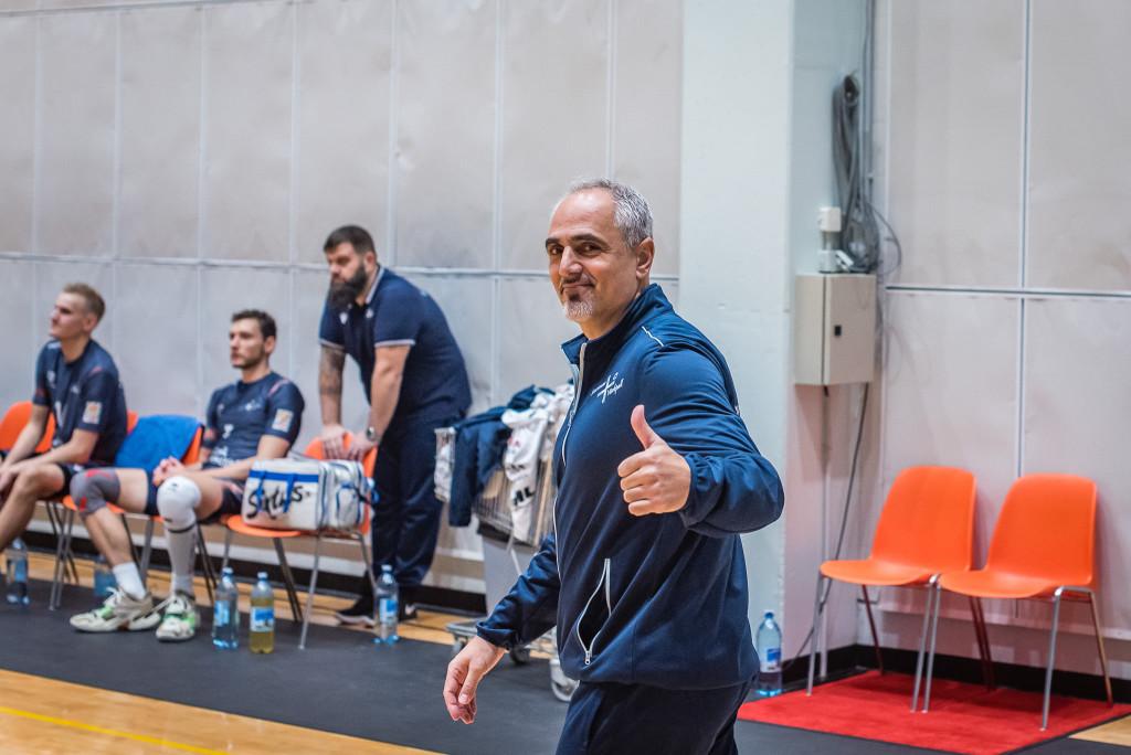 Ioannis Kalmazidis on häälestatud optimistlikult. Allan Mehik