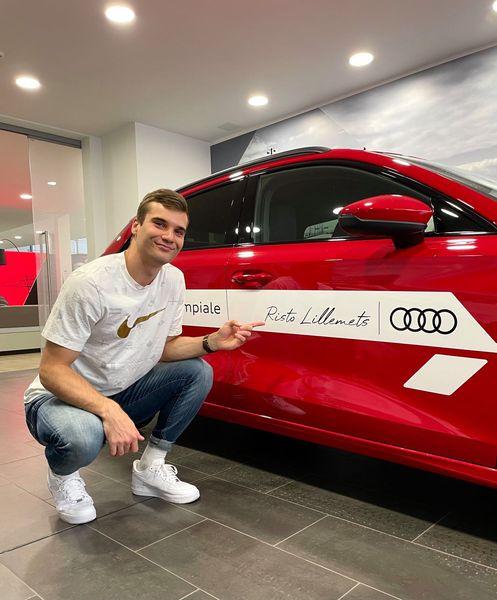 Risto Lillemets uue sõiduvahendiga. Audi Eesti