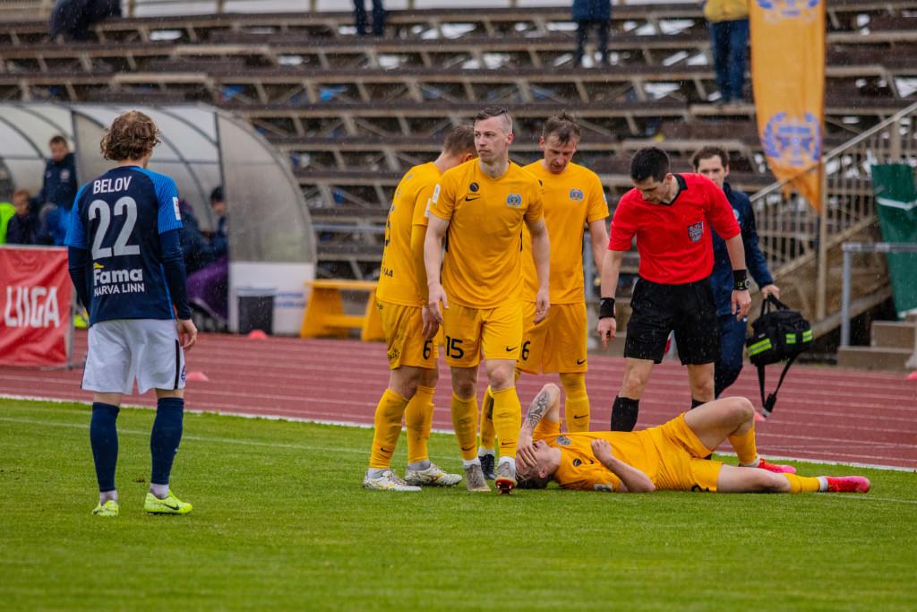 FC Kuressaare mängija on saanud vigastada. Kati Sokko