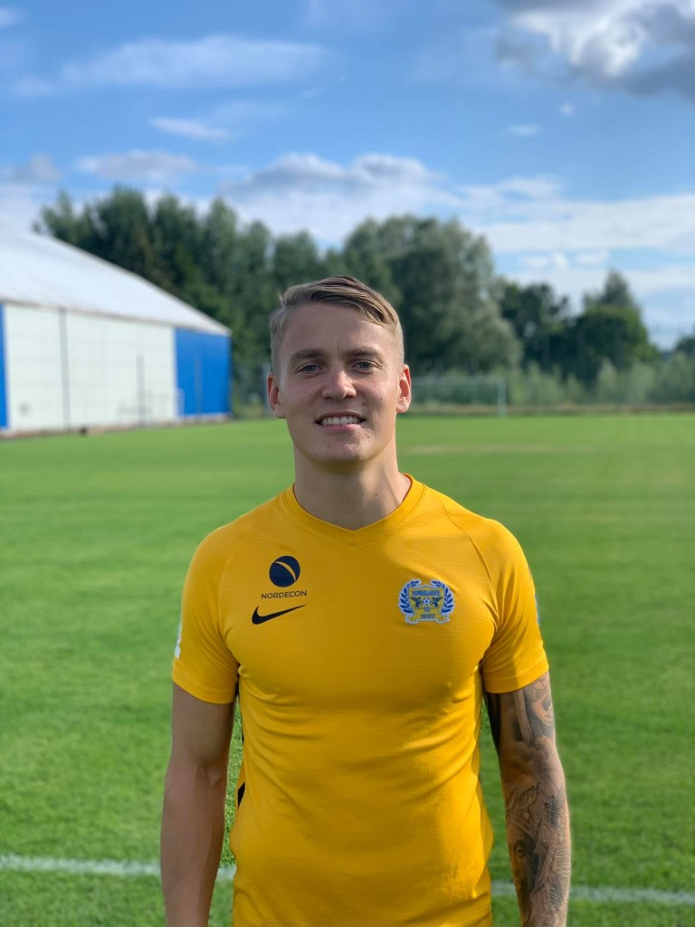 Peeter Klein Kure särgis. FC Kuressaare