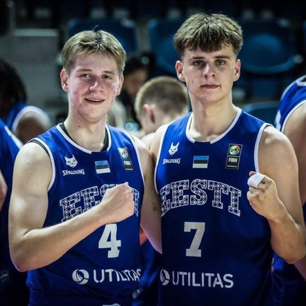 Gregor Allik vasakul. Gregor Allik facebook