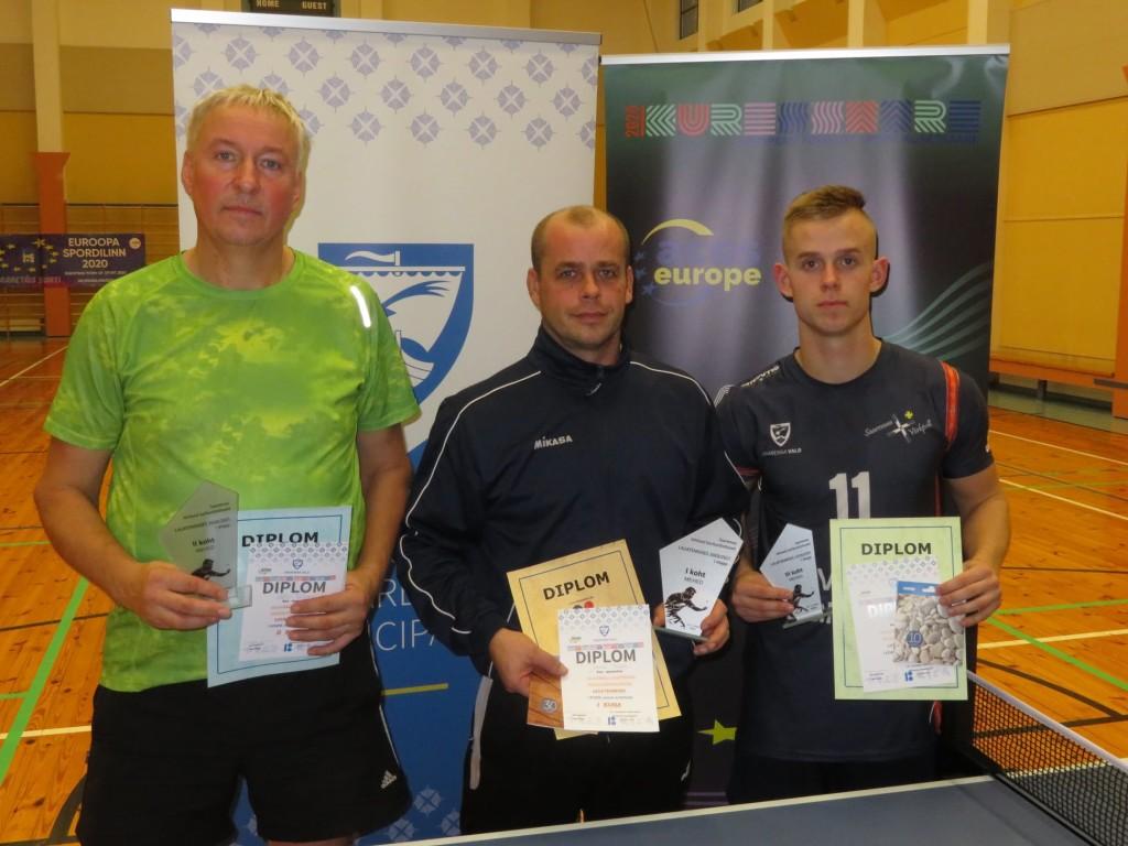 Paremad mehed: Veljo Väljakivi, Janek Saar, Alari Saar. LTK Tops