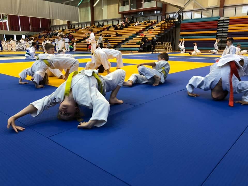 Soojendusel. Saaremaa judo